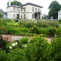 Patriots Park Garden 2 - Touro Synagogue