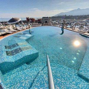 Roof terrace pool Yacht Club Marina di Loano