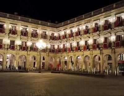 Plaza Nueva de noche