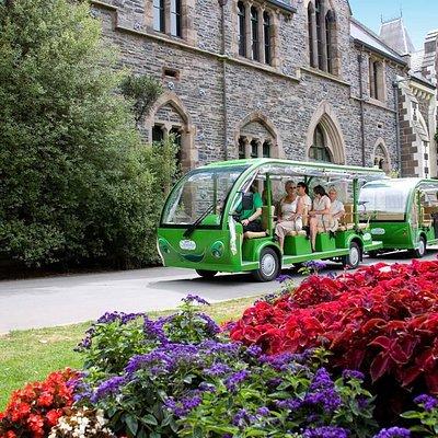 Gardens Tour shuttle - Museum stop
