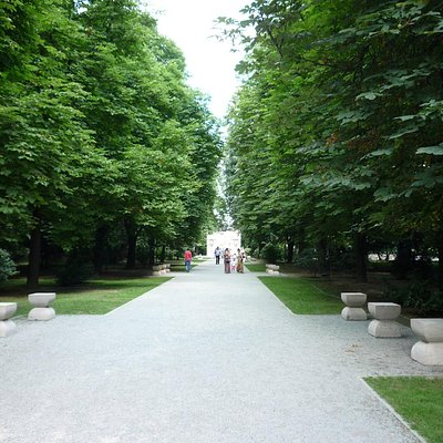 central park - main alley