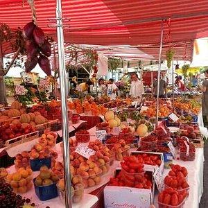 Sabato mattina d'agosto a passeggio al mercato...
