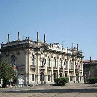 Ingegneria: Facciata edificio storico
