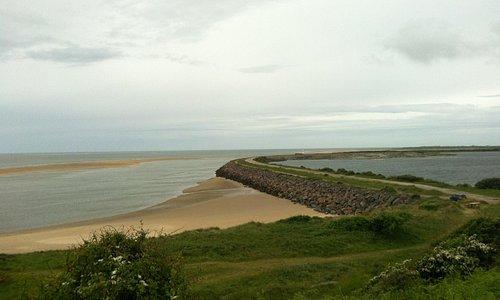 Beach and sea wall on the Hodbarrow beach ride