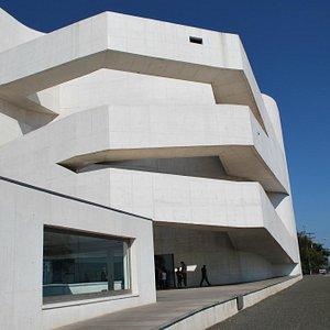 Fachada da sede da Fundação Iberê Camargo | Foto Elvira T. Fortuna