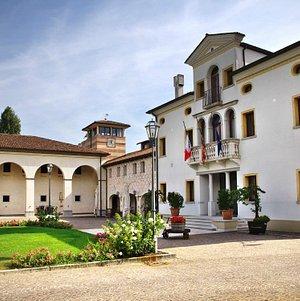 Cantine Paladin: the entrance - L'entrata