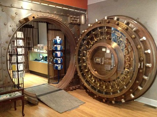 The gallery makes use of the historic bank vault for jewelry!