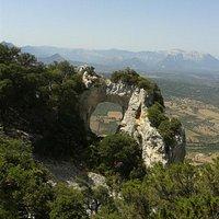 la valle del Cedrino e i monti di Dorgali visti da Sa Pedra Istampada
