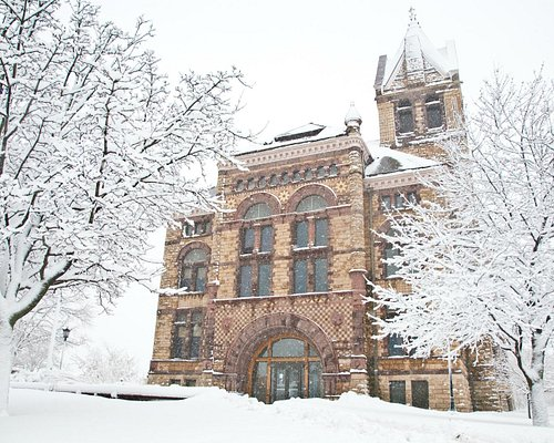 Winona County Courthouse in the winter