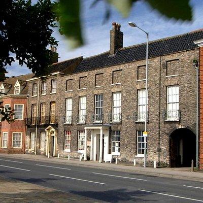 Exterior of Elizabethan House Museum on South Quay