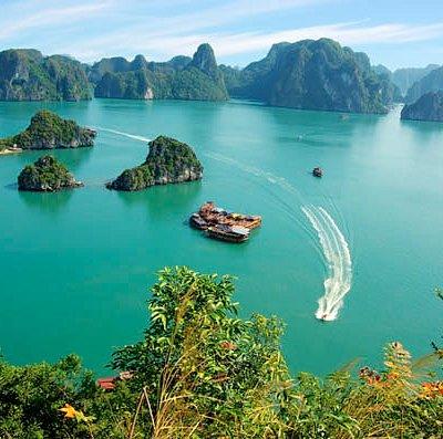 Bai Tu Long Bay - Halong Bay Vietnam
