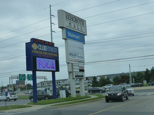 Rehoboth Mall sign