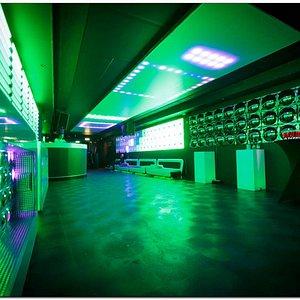 M2 Empty Room