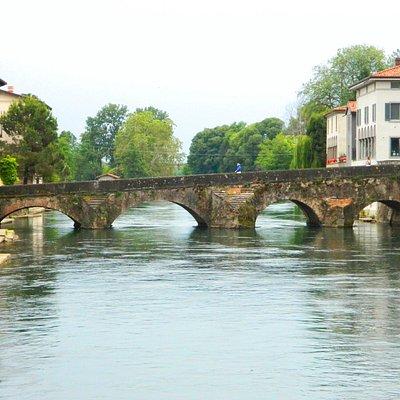 Ponte Romano di Palazzolo visto dalla passerella