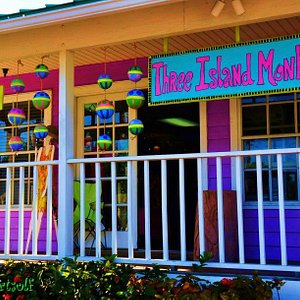 This shop puts the FUN in Funky! Unique art, gifts and souvenirs!