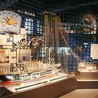 北洋漁業に関する資料が一堂に展示されております。