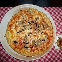 Pizza mit Pilzen