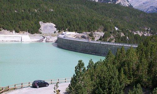 Lago e diga di Cancano