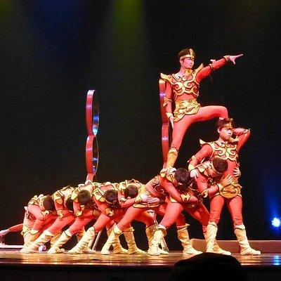 上海白玉蘭劇場・雑技団