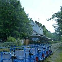 de railbikes staan op ons te wachten! Zouden die tussen De Panne en Dunkerque (fr) kunnen rijden