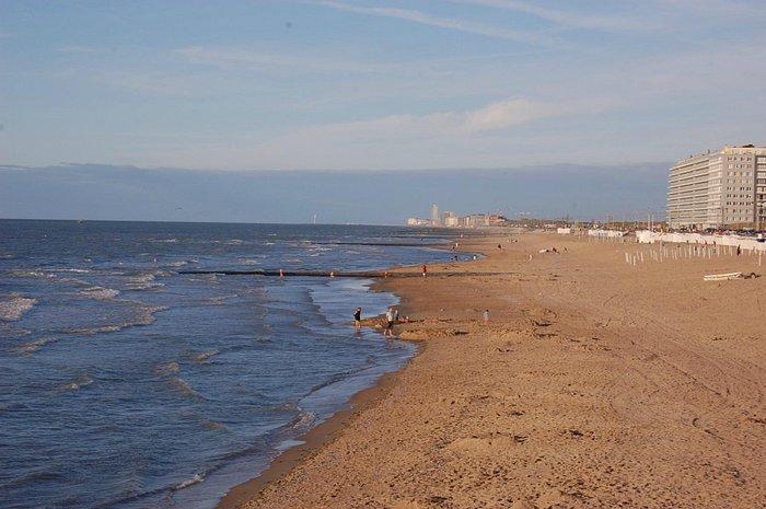 superbe plage, vue au loin Ostence