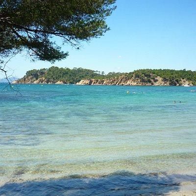 La spiaggia vista dal sentiero del litorale