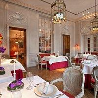 Francais Dining room