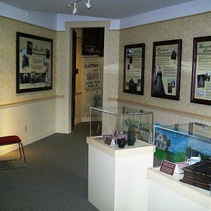 Anna Swan Museum displays
