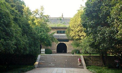 Linggu Temple Complex