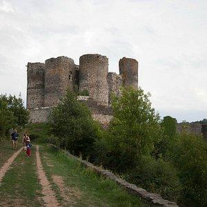 Château de Domeyrat - en approchant depuis le parking