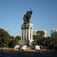 Monumento em frente ao IPT - USP