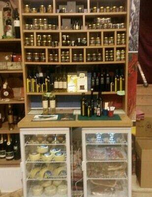 truffles, ham & cheese at Manufaktura shop