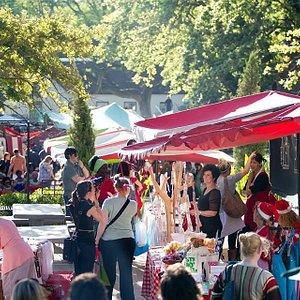 Slowmarket in Stellenbosch every Saturday 09h00 - 14h00