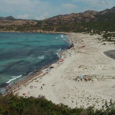 spiaggia vista dalla strada
