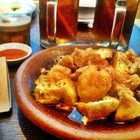 makanan tradisional indonesia ala kafe betawi