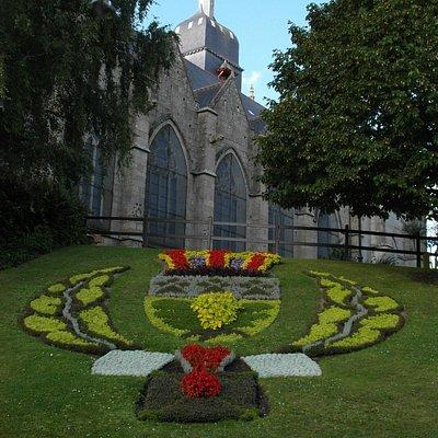 Lo stemma (floreale) di Fougeres