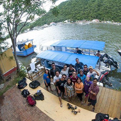 Happy divers after a full day in the ocean