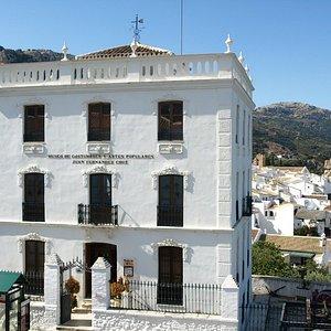 Fachada principal Museo de Costumbres Zuheros