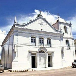vista de frente da igreja de São José