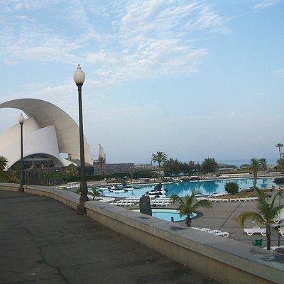 Parque Maritimo Cesar Manrique