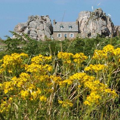 La 'casa tra le rocce'