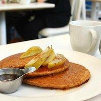 Pancakes con mele e cannella, yum!