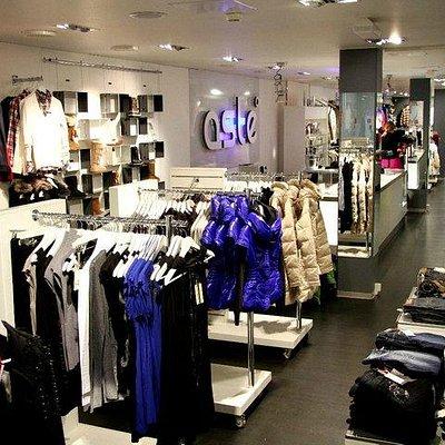 Aste Brand Store