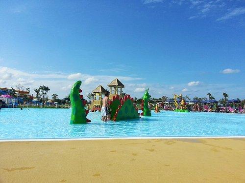 piscina dei piccoli (draghetto con scivolo)