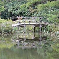 Bridge at center of Mytoi