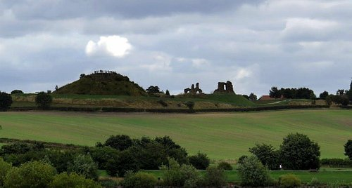 View to Sandal Castle from Pugney's Country Park