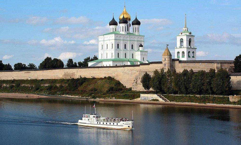 Троицкий собор. Вид с Ольгинского моста.