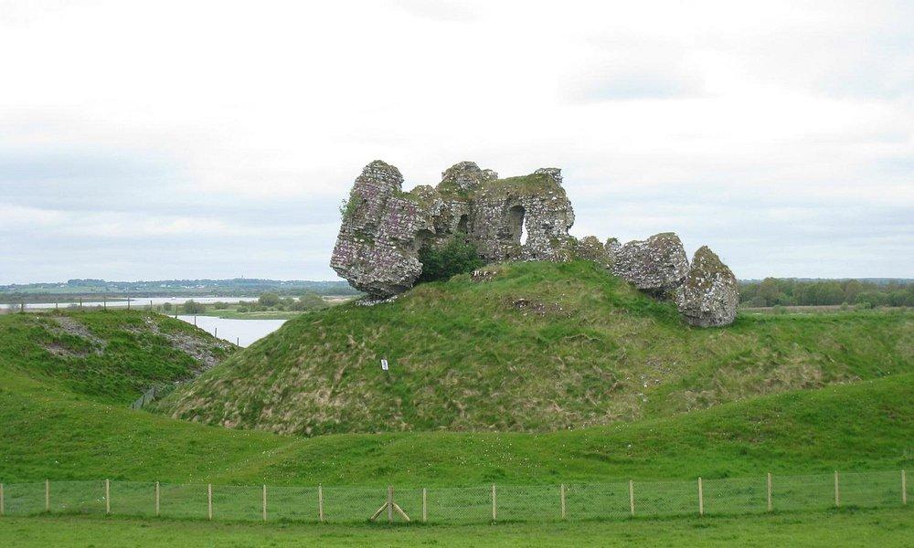 Walls of Clonmacnoise