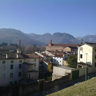 Fabbrica Alta vista dalla località Castello