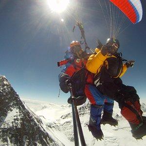 babu flying over Evrest